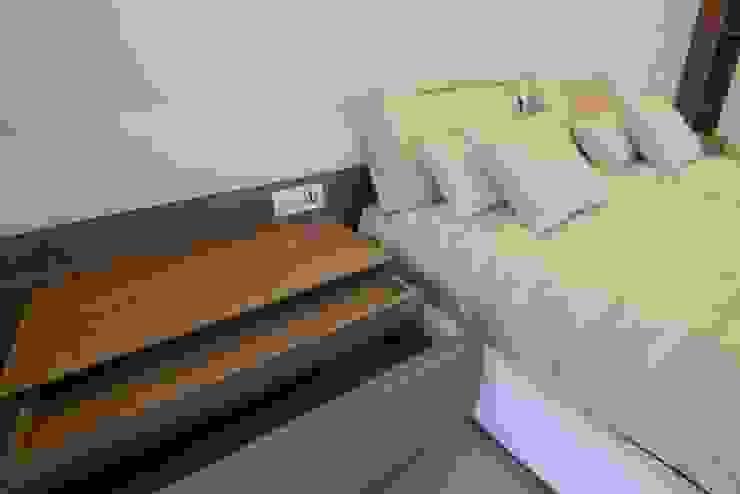 de Frigerio Paolo & C. Moderno Madera Acabado en madera