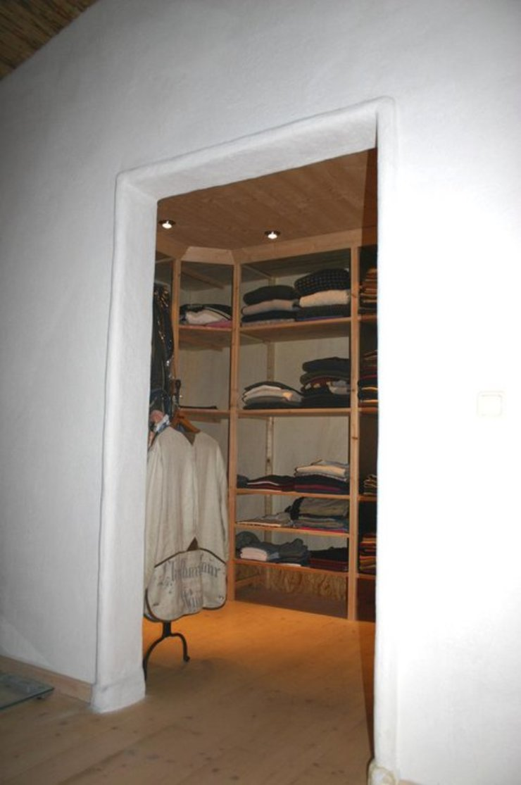 CASA Santa Barbara Country style dressing room Engineered Wood