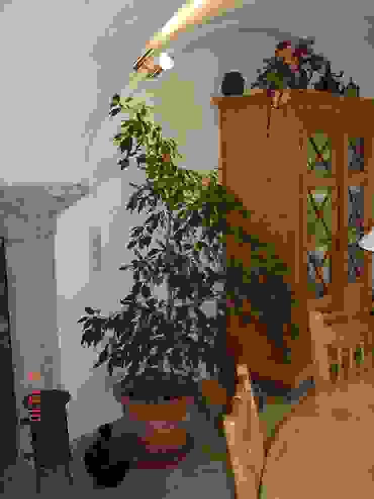 Restaurierung eines alten Gehöftes am Chiemsee CASA Santa Barbara Wohnzimmer im Landhausstil Ziegel