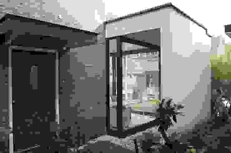 Verbouw en aanbouw jaren dertig woning Bilthoven Moderne keukens van Architectenbureau Jules Zwijsen Modern