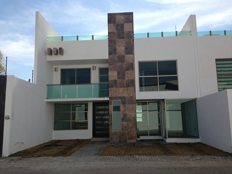 Navecsa Constructora Minimalist houses Concrete White