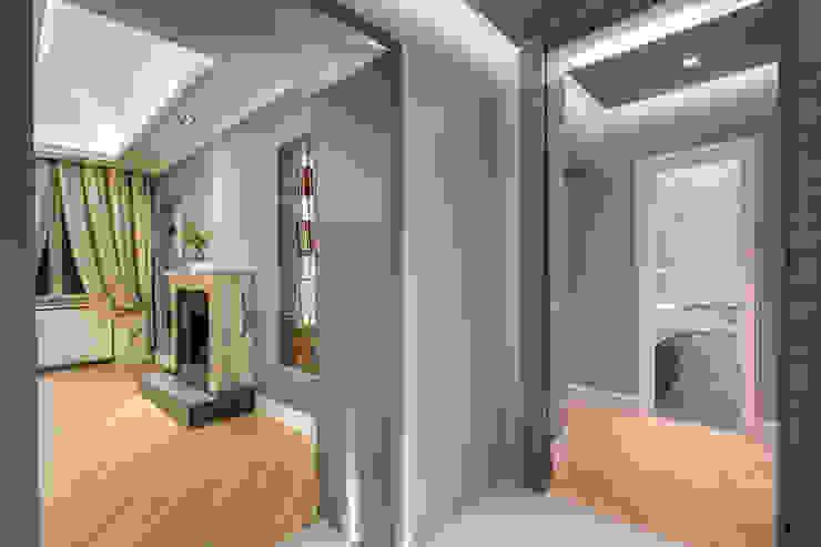 GERMANICO Ingresso, Corridoio & Scale in stile moderno di MOB ARCHITECTS Moderno