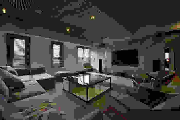 人文藝術感知 發掘生命本質 现代客厅設計點子、靈感 & 圖片 根據 Luova 創研俬.集 現代風