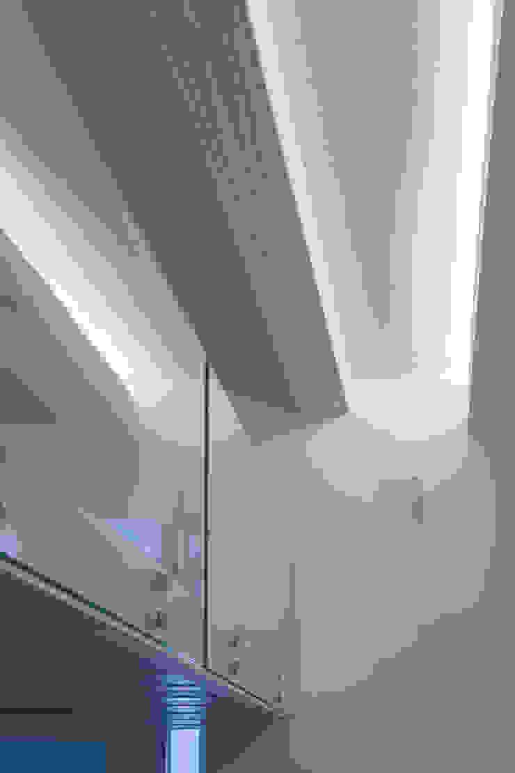 Escritórios modernos por STUDIO ACRIVOULIS Architettra + Interior Design Moderno