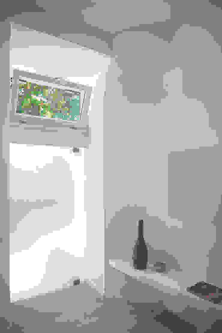 Cozinhas modernas por STUDIO ACRIVOULIS Architettra + Interior Design Moderno