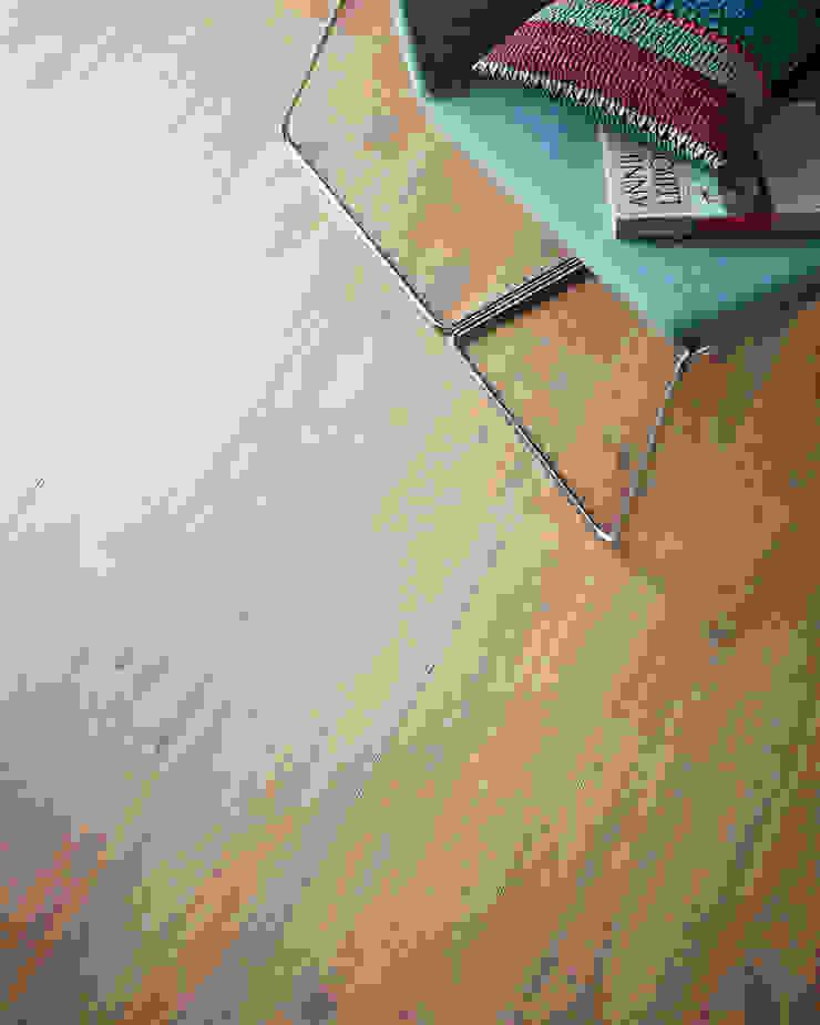 Wembury Cotswold Oak Moderne Wände & Böden von Woodpecker Flooring Modern Holz Holznachbildung