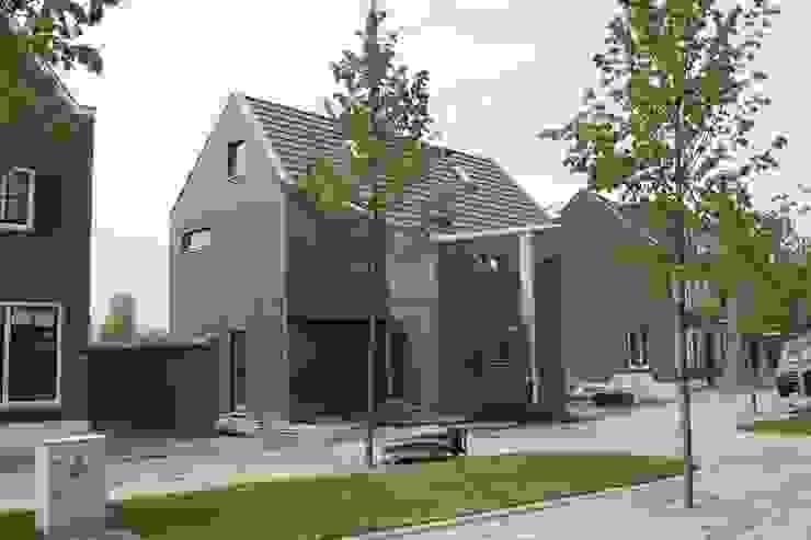 Knikwoning Moderne huizen van Architectenbureau Jules Zwijsen Modern