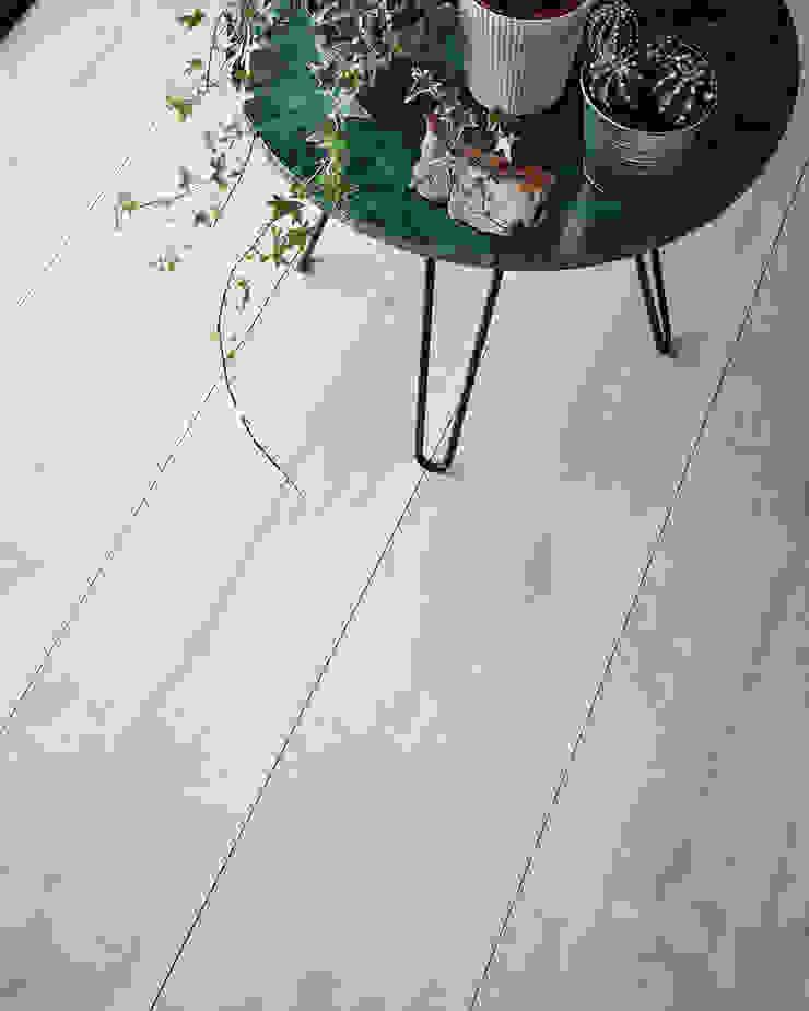 Wembury Winter Oak Moderne Wände & Böden von Woodpecker Flooring Modern Holz Holznachbildung