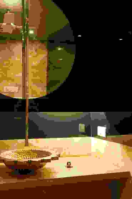 Verma Residence Modern bathroom by Untitled Design Modern