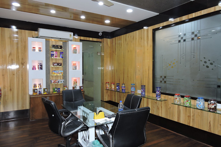Office interior at Indore Industrial style office buildings by Gupta's associated architects Industrial