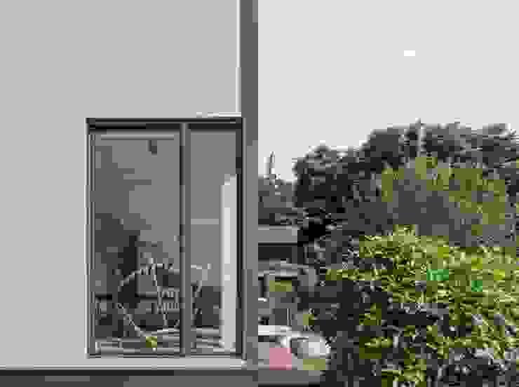 2號‧源 圭侯 洪文諒空間設計 現代房屋設計點子、靈感 & 圖片