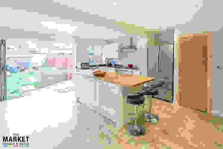 BREAKFAST BAR Modern kitchen by The Market Design & Build Modern
