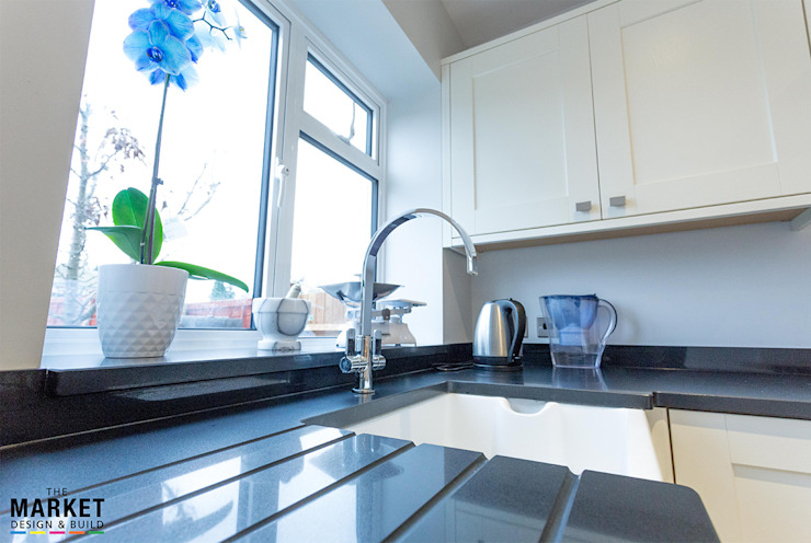 CONTEMPORARY KITCHEN FINISHES Modern kitchen by The Market Design & Build Modern