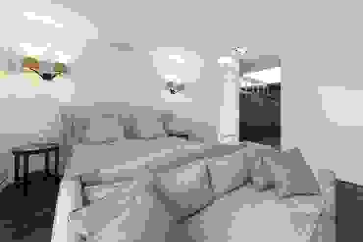 Modern style bedroom by ООО 'ЮНИКОМ' Modern
