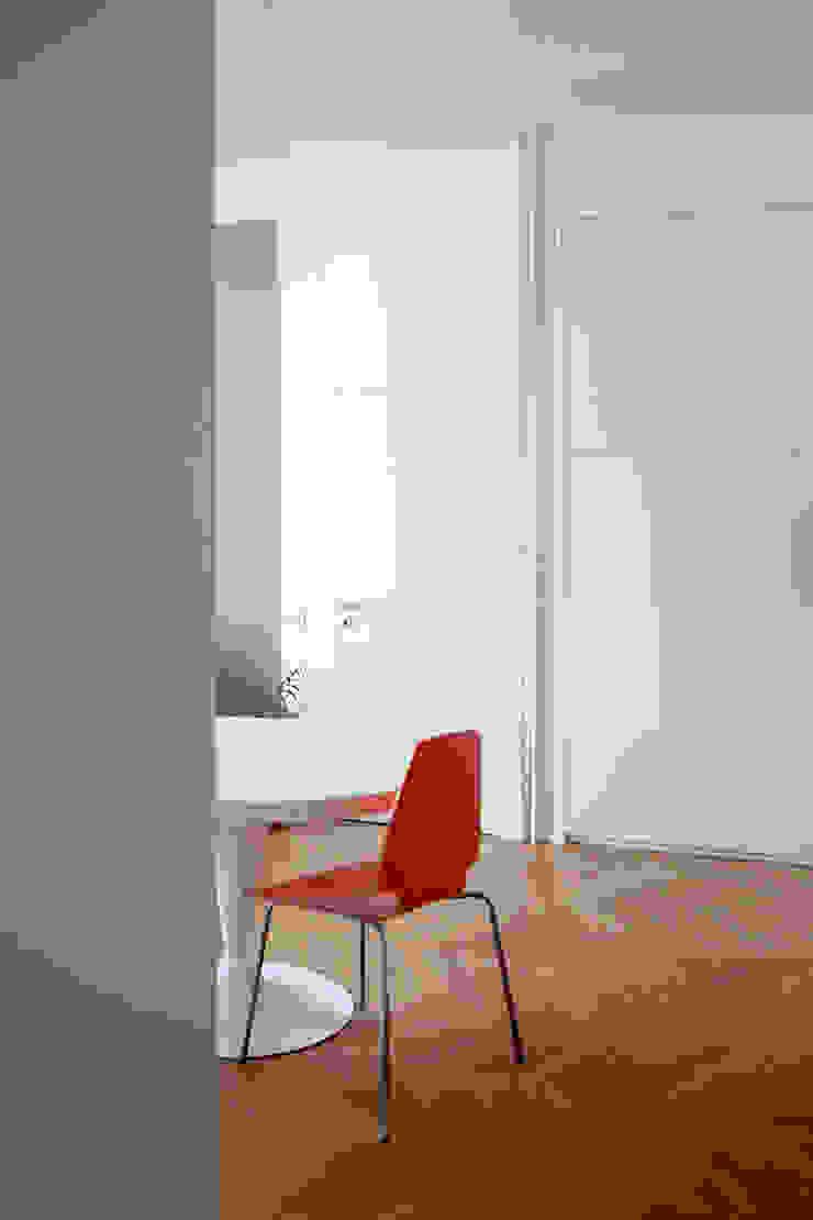 Atelier delle Verdure Scandinavian style dining room