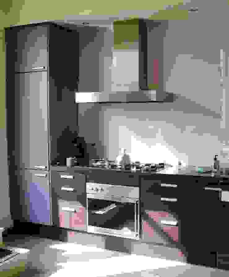 Paarse keuken. Moderne keukens van Brenda van der Laan interieurarchitect BNI Modern