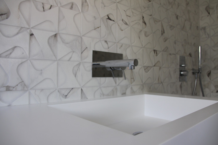 tampcor Modern style bathrooms