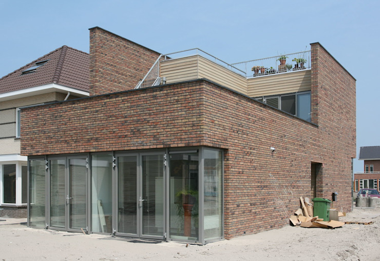 Beeld achterzijde Minimalistische huizen van architectuurstudio Kristel Minimalistisch