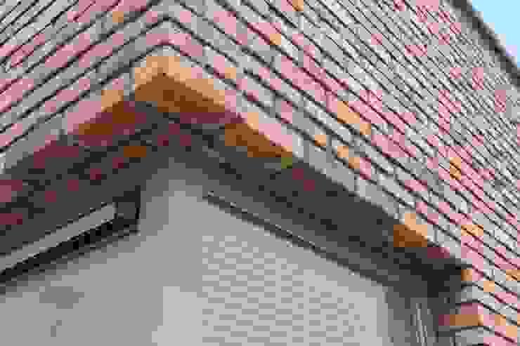 Detail bovenzijde puien Minimalistische huizen van architectuurstudio Kristel Minimalistisch