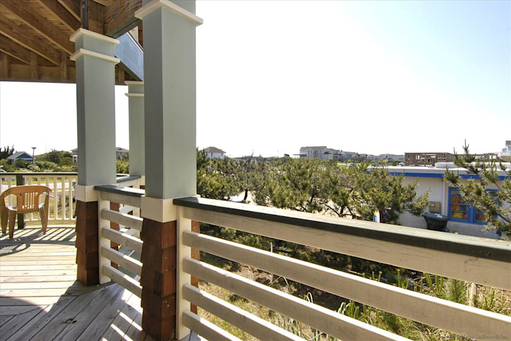 Savannah Dawn—6000 sq.ft. Vacation Rental in Southern Shores, NC Modern Terrace by Outer Banks Renovation & Construction Modern