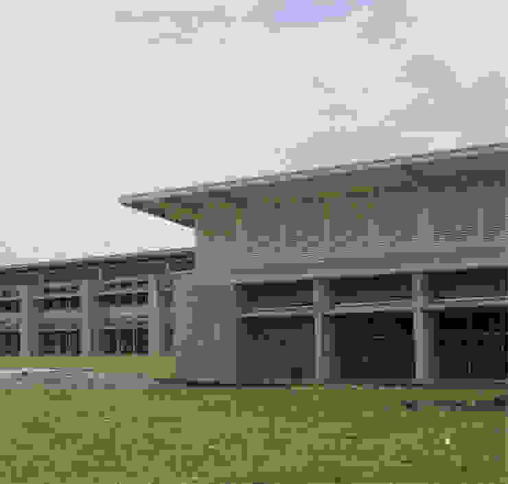 Colegio La Reliquia Casas modernas de MRV ARQUITECTOS Moderno