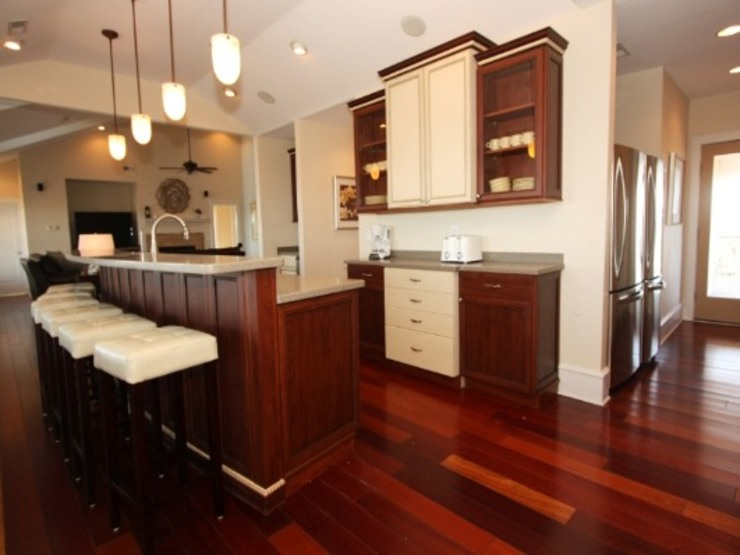 state of the art kitchen Modern Kitchen by Outer Banks Renovation & Construction Modern