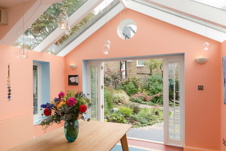 Kitchen extension in Queens Park, London Eclectic style dining room by Studio 29 Architects ltd Eclectic