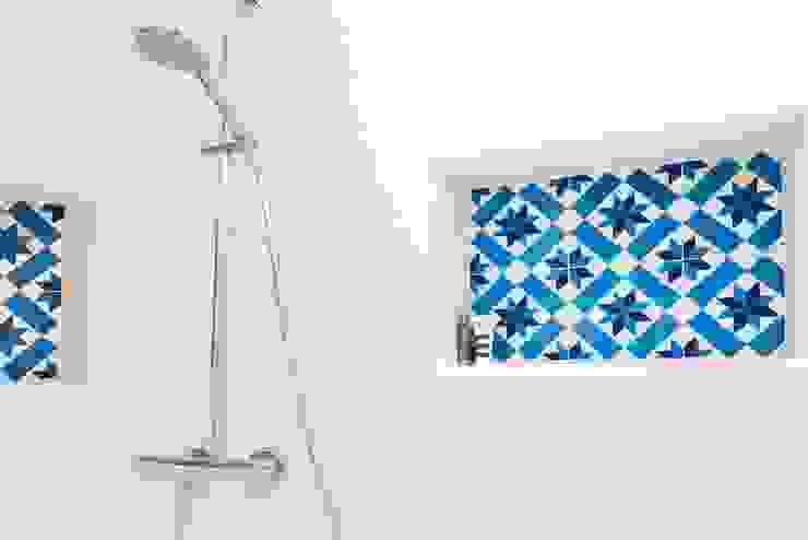 Modern Bathroom by ATELIER FB Modern
