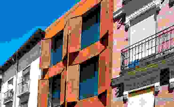 SAN VICENTE FERRER 78 Casas modernas de james&mau Moderno