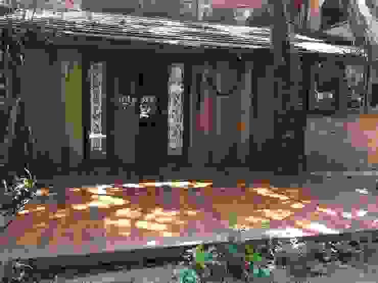 Balcones y terrazas rústicos de Recyklare Projetos de Arquitetura , Restauro & Conservação Rústico