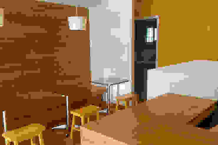 Vista meson de caja Gastronomía de estilo moderno de Zoraida Zapata / Diseño Interior Moderno