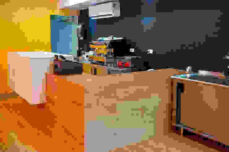 Restaurant Herny´s Soup, Saint Martin, Isla del Mar Caribe Espacios comerciales de estilo moderno de Zoraida Zapata / Diseño Interior Moderno Madera Acabado en madera