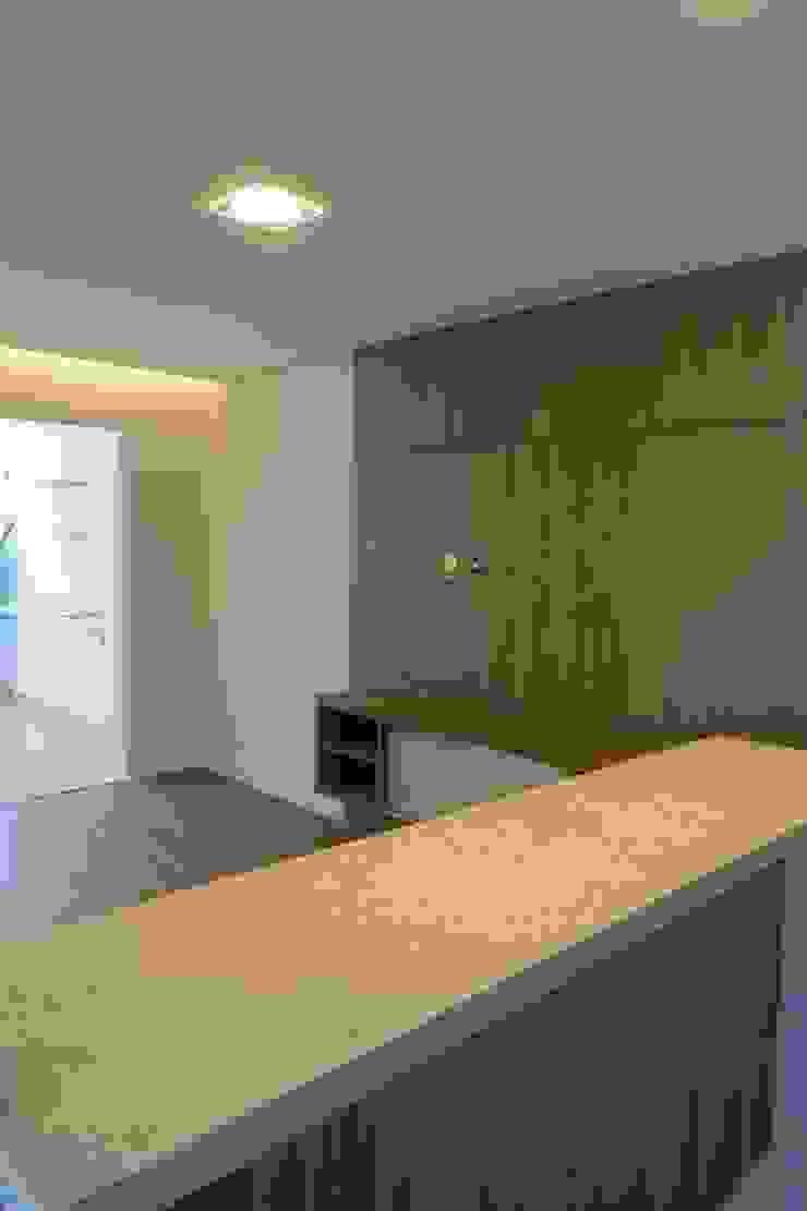 Sala / Cozinha Salas de estar modernas por In.home Moderno MDF