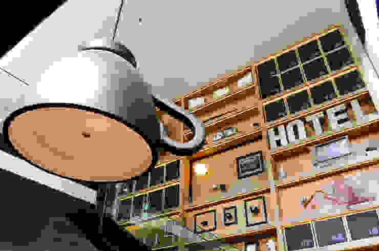 modern  von Guzman Studio, Modern