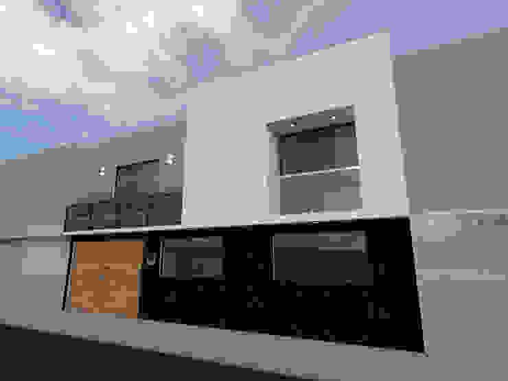 Fachada Casas modernas de Arqternativa Moderno Piedra