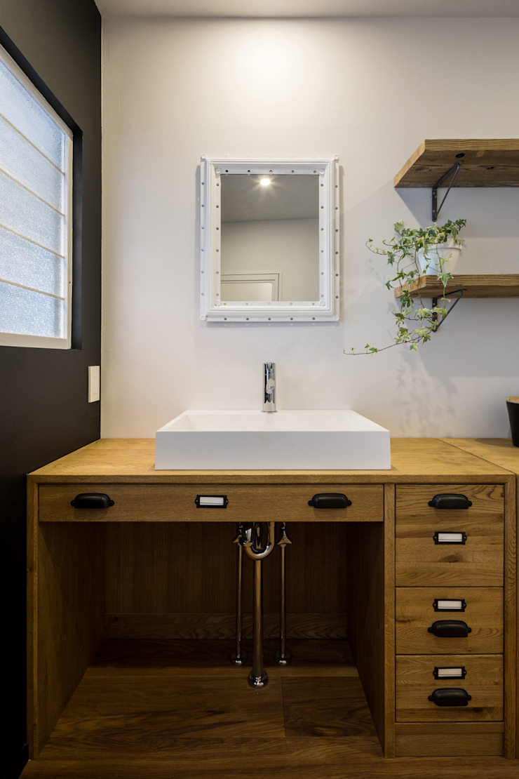 Eclectic style bathroom by vibe design inc. Eclectic