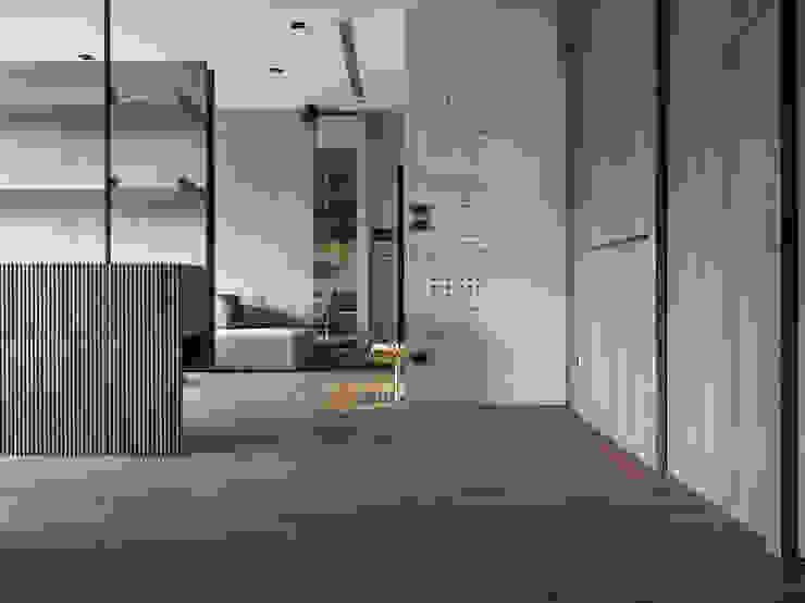 693號‧一 現代風玄關、走廊與階梯 根據 圭侯 洪文諒空間設計 現代風