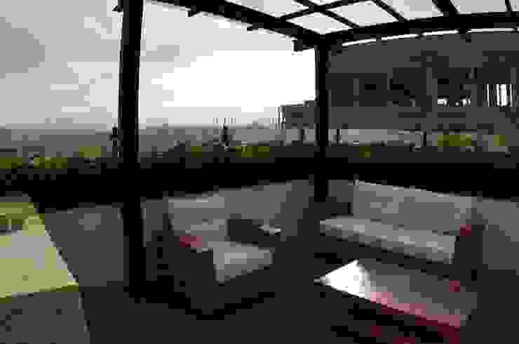 Terrazas de estilo  por Regenera Mx - Fábrica Ecológica,