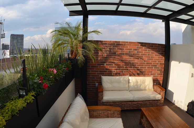 Roof Garden Guadalupe Inn: Terrazas de estilo  por Regenera Mx - Fábrica Ecológica, Industrial