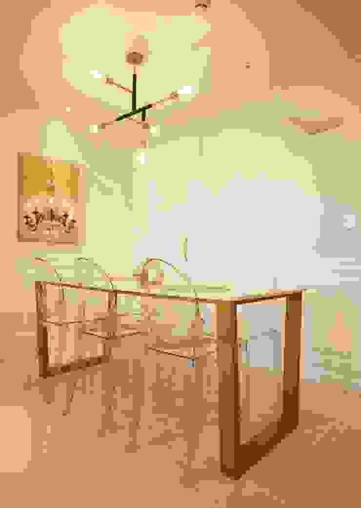 [홈라떼] 화사하고 블링블링한 30평대 홈스타일링 에클레틱 다이닝 룸 by homelatte 에클레틱 (Eclectic)