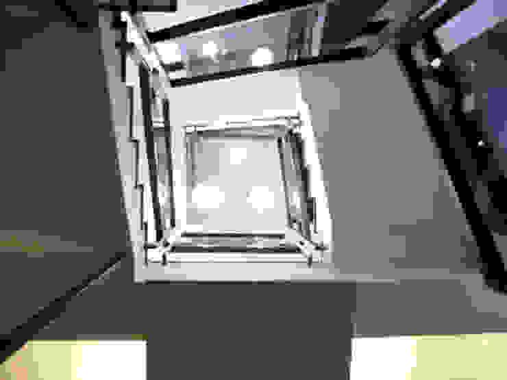 高雄 VILLA 現代風玄關、走廊與階梯 根據 大也設計工程有限公司 Dal DesignGroup 現代風