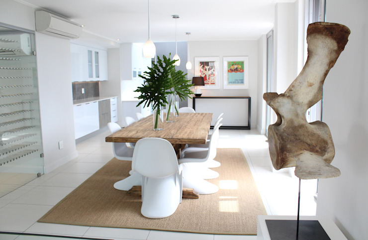 Apex Building—Penthouse Modern dining room by House of Gargoyle Modern