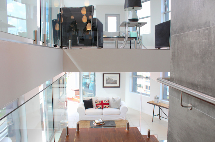 Apex Building - Penthouse Modern Corridor, Hallway and Staircase by House of Gargoyle Modern