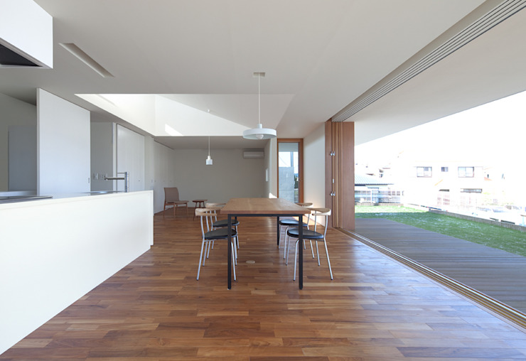 Modern living room by 森裕建築設計事務所 / Mori Architect Office Modern