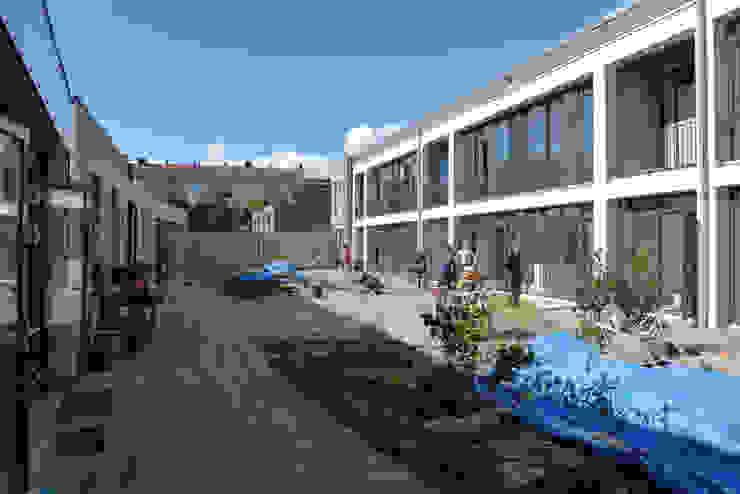Modern houses by Hulshof Architecten bv Modern