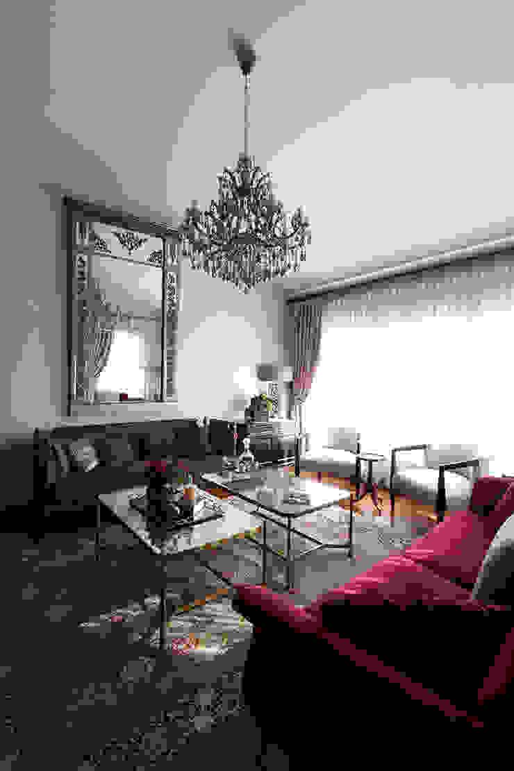 Kış bahçeli ev Klasik Oturma Odası Orkun İndere Interiors Klasik Bakır/Bronz/Pirinç