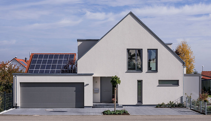 Detached home by KitzlingerHaus GmbH & Co. KG