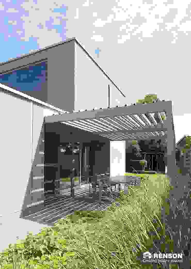 derraumhoch3 Modern balcony, veranda & terrace