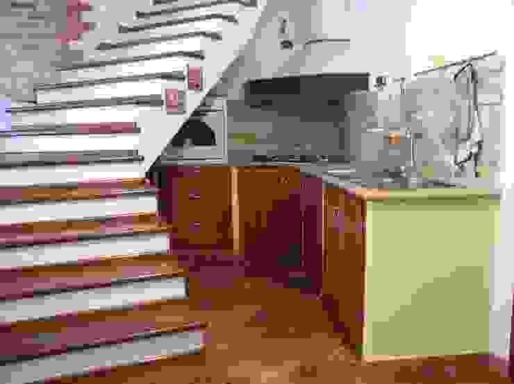 Rustic style kitchen by falegnameria ziranu di balvis Rustic Solid Wood Multicolored