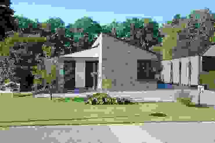Levensloop bestendige woning in Denekamp Moderne huizen van In Perspectief architectuur Modern Steen